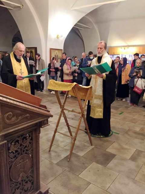 Чтение Акафиста святителю Николаю Чудотворцу