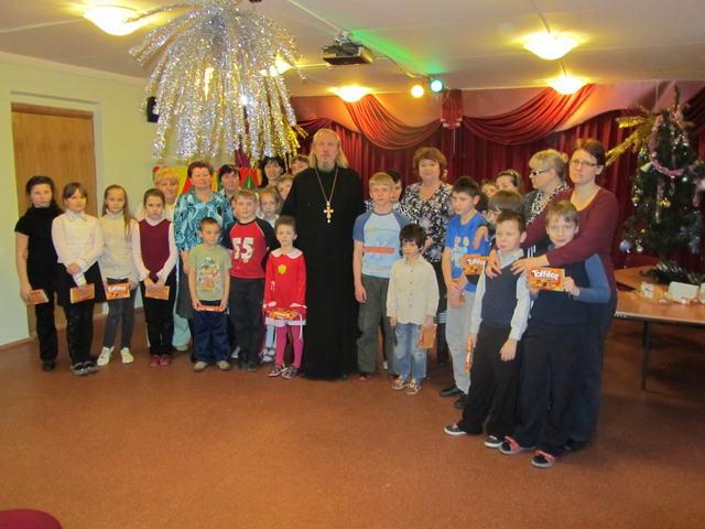 Поздравление детей из социального приюта в Ховрино с Рождеством Христовым